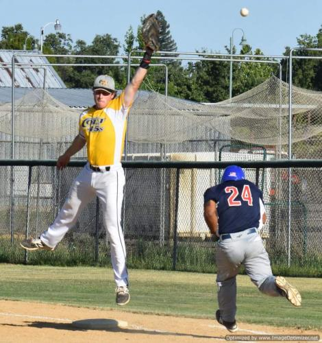 Colt 45s July 2 Connot Fabing can't snag high throw at first