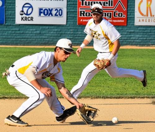 Colt 45s third baseman Julian Kodama gobbles up a first inning grounder as shortstop Brendan Roop hustles to back up the play Sunday night at Tiger Field